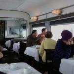 カナディアン号車内での食事・食堂車