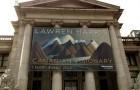 雨の多いバンクーバーで絶好の雨宿りは美術館