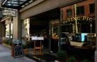 バンクーバー・ダウンタウンで地元の人に人気のレストラン「Flying Pig」は旅行者にもおすすめ