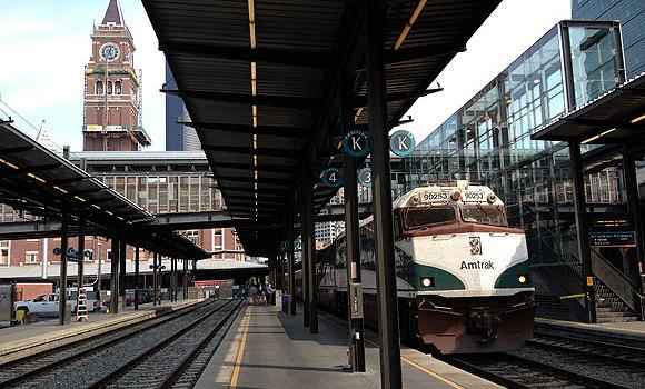 バンクーバーからシアトルは鉄道(アムトラック)が一番景色がよい